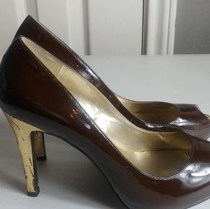GUESS BROWN WITH GOLD HEELS SIZE 7.5 HEELS